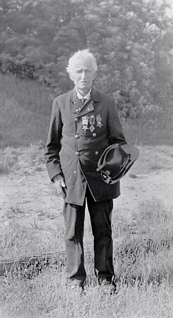 Lewis Josselyn, 1942